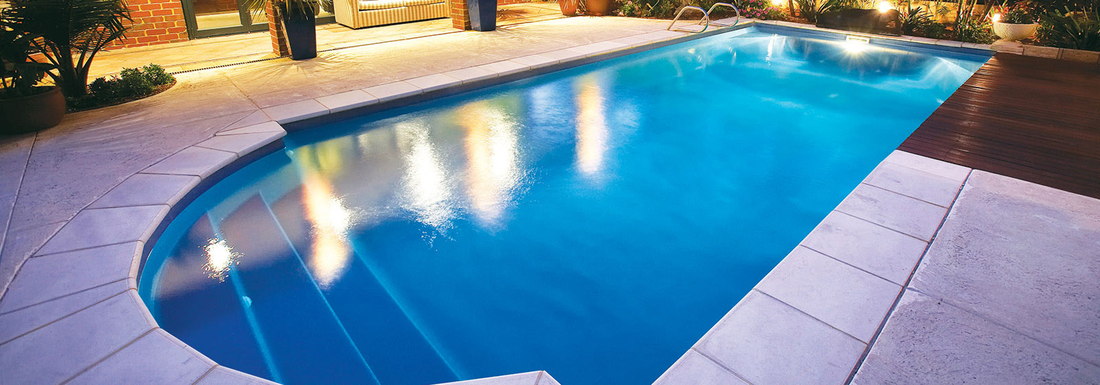 Swimming pools with slides perth creativity for Pool show 2015 perth