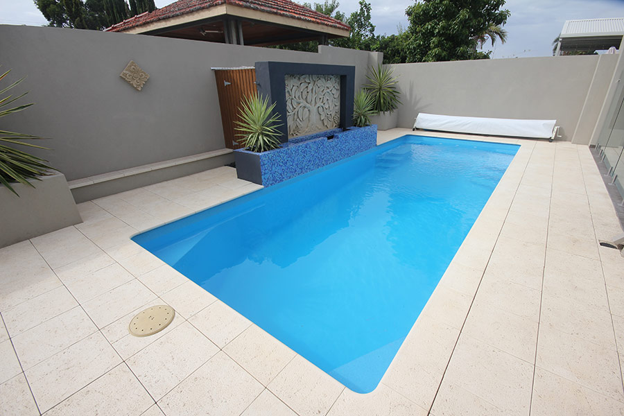 Caprice fibreglass swimming pool 8m x 3m aqua technics for Pool 3m rund