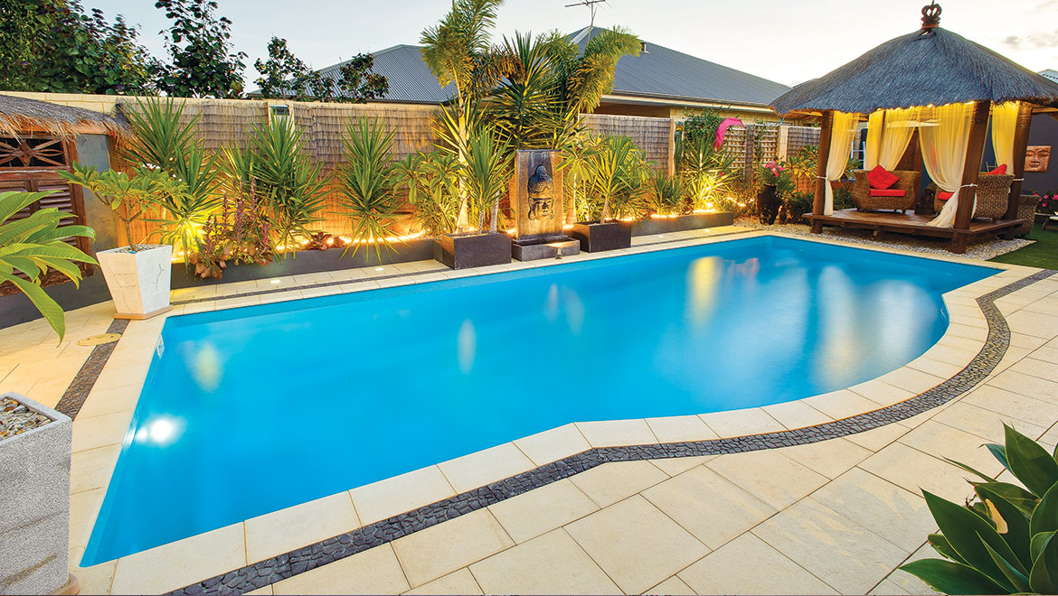 Fibreglass swimming pool showcase aqua technics for Pool showcase